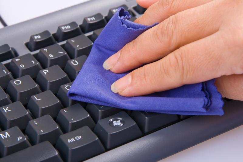 Как почистить клавиатуру компьютера
